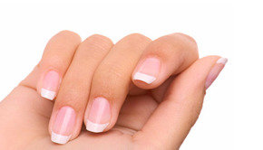 Staff_picks_image_all-you-need-to-know-about-white-spots-on-nails-fustany-main-image