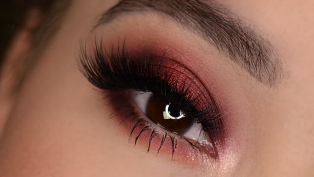 10 Photos To Help You Master The Burgundy Eyeshadow Look