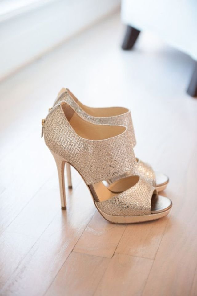 15 photos of sparkly shoes for a glamorous look