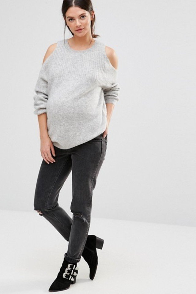 Does h&m sell maternity clothes in store