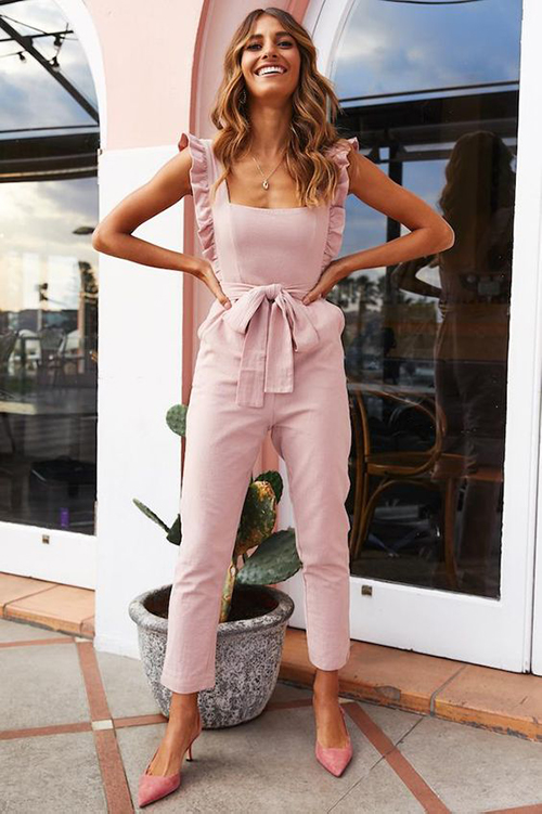 Jumpsuit for hourglass body shape