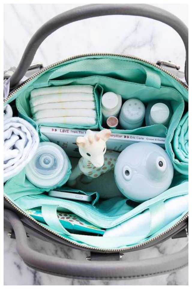 tips to turn your everyday bag into a diaper bagtips to turn your everyday bag into a diaper bag