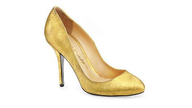 5f8ba3e244490 أحذية ألبرتو موريتي من الذهب الخالص