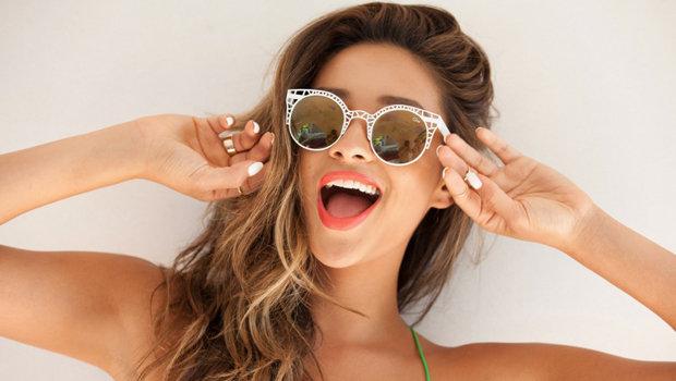 255d74a8e بالصور: موديلات نظارات شمسية غير تقليدية للتألق بها هذا الصيف