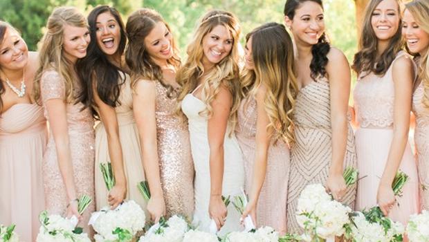 بالصور: أفكار غير تقليدية لتنسيق فساتين وصيفات العروس