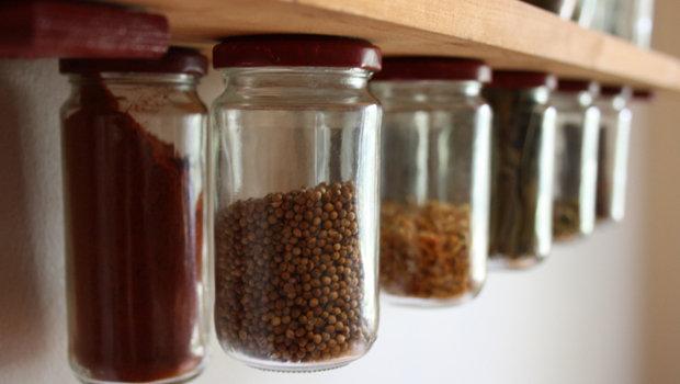 حيل ذكية لتخزين أدوات المطبخ