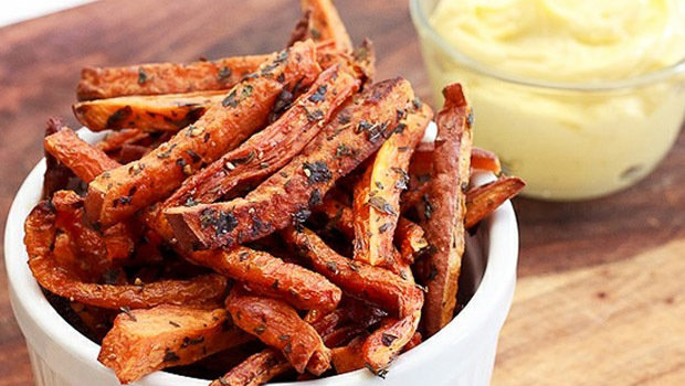 Header_image_fried-healthy-crispy-carrot-fries-recipe-fustany