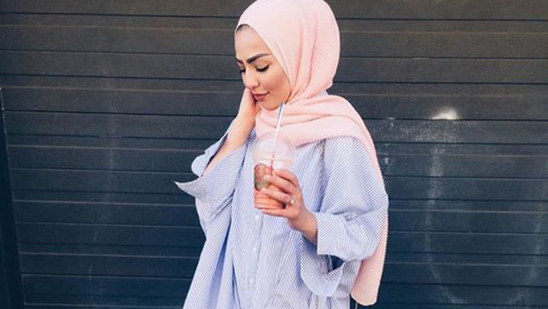 57913a4a13d7e موضة Header image fustany how to wear long shirt with hijab ar