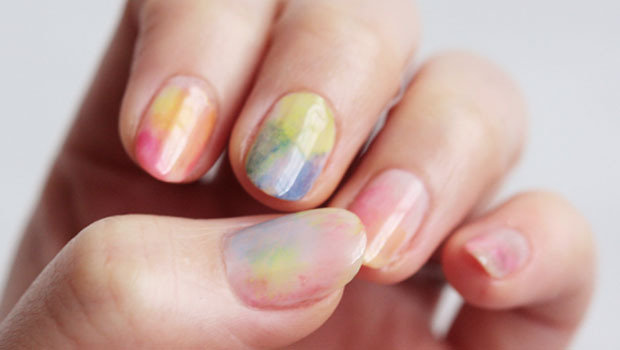 Header_image_how-to-create-watercolor-marbel-nails-fustany-main-image