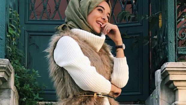 b70129a93 موضة Header image how to wear fur coats with hijab winter trend 2018 ar  main image fustany