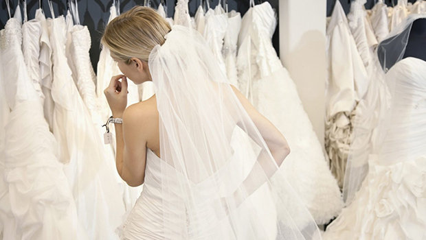 901104af9 موضة Header image things to consider when shopping for your wedding dress  weddings 01