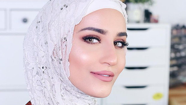 bc66d4eacf3c9 جمال وصحة Header image tips on how to apply makeup with hijab fustany main  image 01
