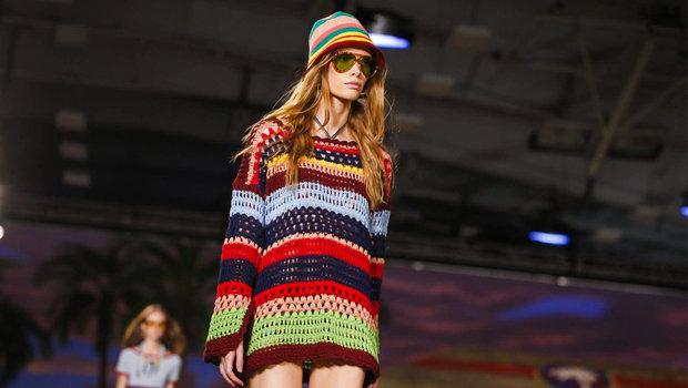 متعة الصيف لن تكتمل بدون أزياء تومي هيلفجر بأسبوع الموضة بنيويورك