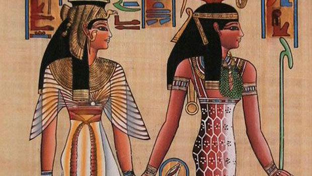 تاريخ الأزياء النسائية عبر العصور