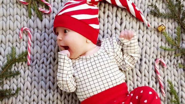 8ca4b9d3c01c1 اتبعي هذه الخطوات عند شراء ملابس الكريسماس لأطفالك هذا العام