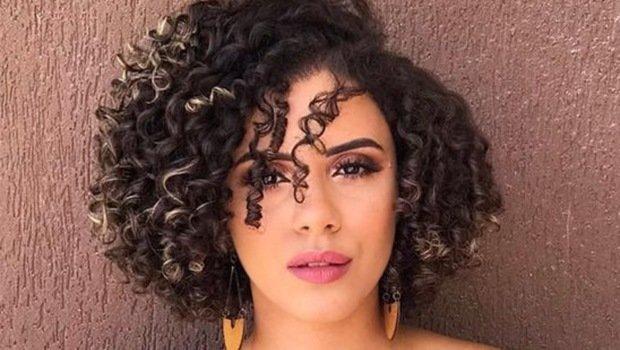 أحدث قصات الشعر الكيرلي لصيف 2019