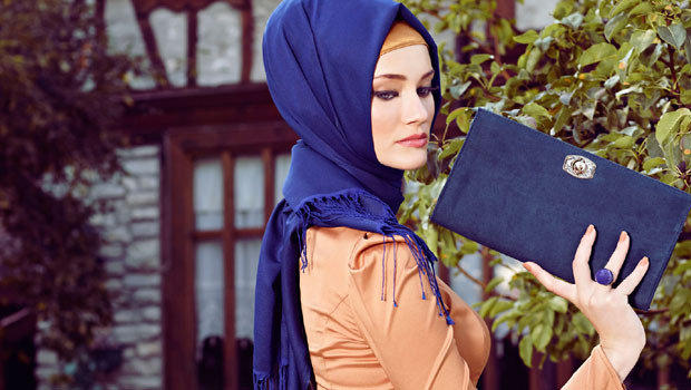 Header_image_different-ways-_to_-wrap-_hijab-_without-_pins-main_-image-fustany