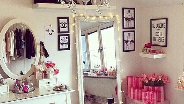 أفضل سبع طرق لتنظيم مساحة غرفة نومك الصغيرة