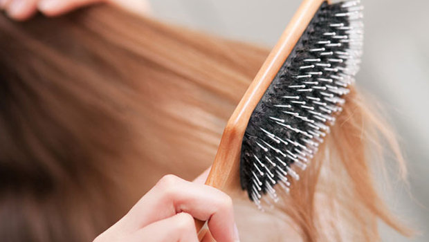 Header_image_how-to-clean-your-hairbrush-fustany-fashion-beauty-hair-main-image
