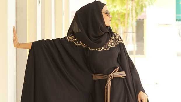 c09efabd4 موضة Header image how to wear belts with abaya ar fustany main image final