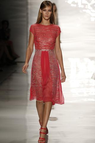 أجمل أزياء ريم عكرا لربيع/صيف ٢٠١٥