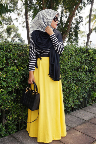 للمحجبات: أفكار مختلفة للتألق بالتنورة الصفراء small_how-to-wear-ye