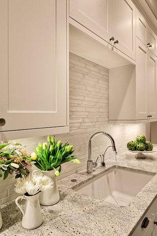 عصرية ومبهجة إلى منزلك هذا الصيف فستكون تزيين منزلك بالزهور!