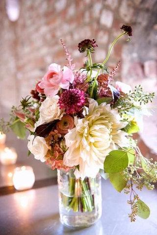 الخيار لكِ! ٢- عند اختيار وتنسيق الزهور، تأكدي من أن