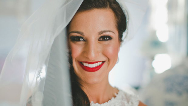 f44e1d59c9a 15 Photos to Prove That Brides Can Totally Wear Red Lipstick!
