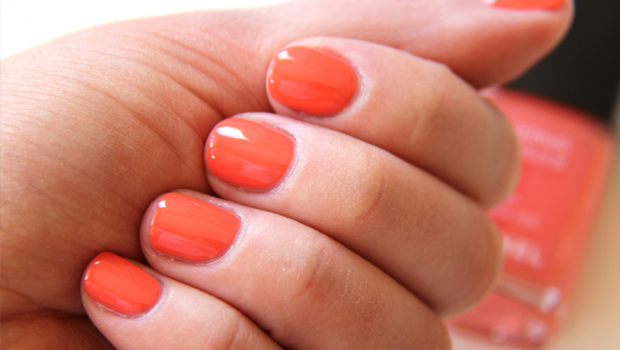 Orange Nail Polish: A Must-try Trend This Summer!