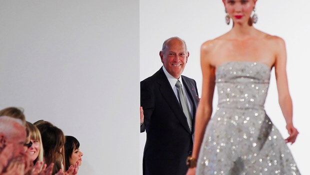 Header_image_article_main-our_all-time_favorite_oscar_de_la_renta_gowns_from_the_runways