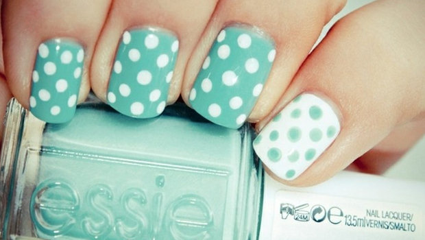 - Polka Dots Nail Art Tutorial