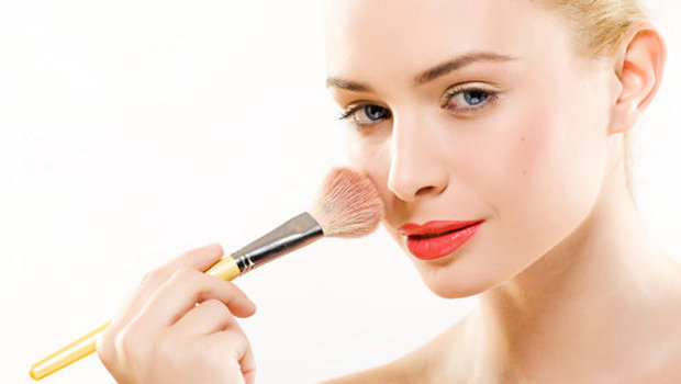 Beauty Header Image Article Main Makeup How To Apply The Right Blush Color  For Light Skin Tone