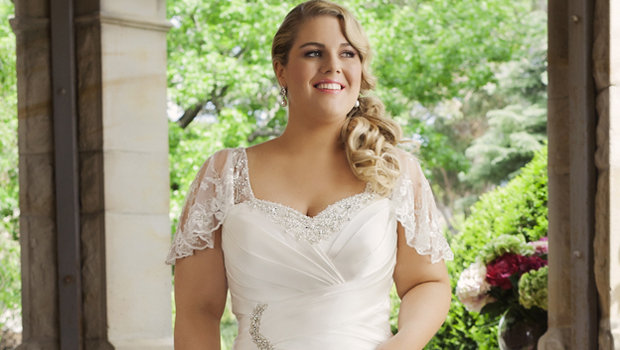 How To Choose Your Wedding Dress If You're A Plus-size Bride