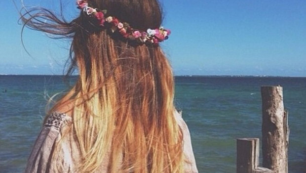 Header_image_article_main_-_fustany_-_hair_-_hairstyle_inspiration_for_your_beach_look_