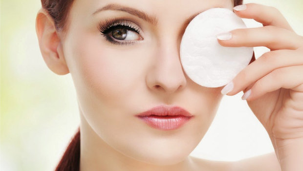 Header_image_article_main_image-_fustany_-_beauty_-_makeup_-_how-to-properly-remove-eye-makeup