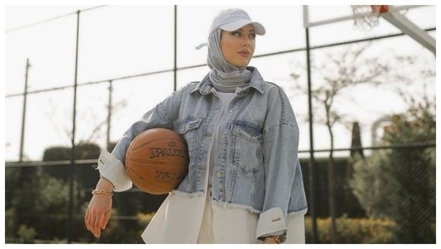 6 Ways To Wear Denim Jackets For A Cool Hijab Style