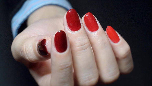 Everyone\u0027s Loving the Different Color Nails Trend with a