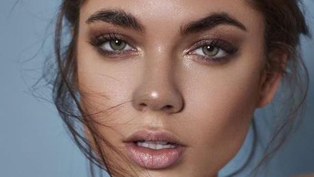 Not Too Smokey' Eye Makeup