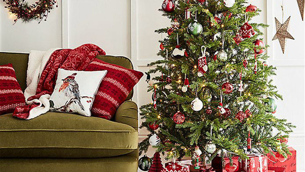 Christmas Home Decor.Your Favorite Stores 2018 Christmas Home Decorations Are A