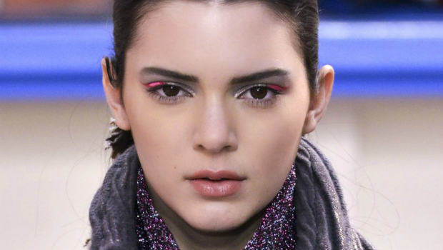 Colored Eyeliner: A Makeup Trend That's Making a Chic Comeback from the 80's