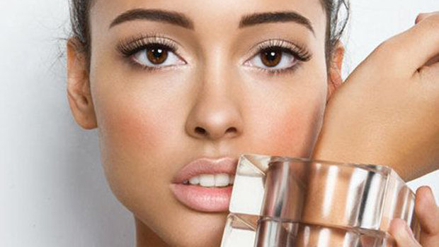 How To Highlight Your Tan With Makeup