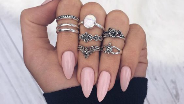 - 25 Photos To Show You How Sexy The Almond Nail Shape Looks