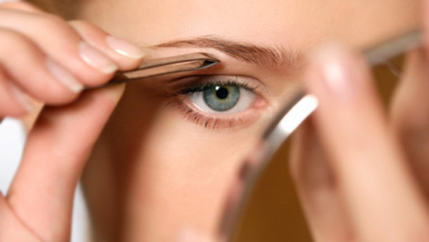 Tips and Tricks to Fix Eyebrows with Empty Spaces