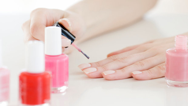 10 Reasons Your Nails Keep Breaking