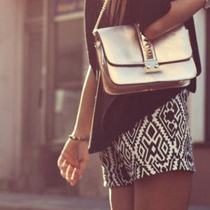 News_thumb_article_main_-_fustany_-_fashion_-trends_-_how_to_wear_printed_shorts