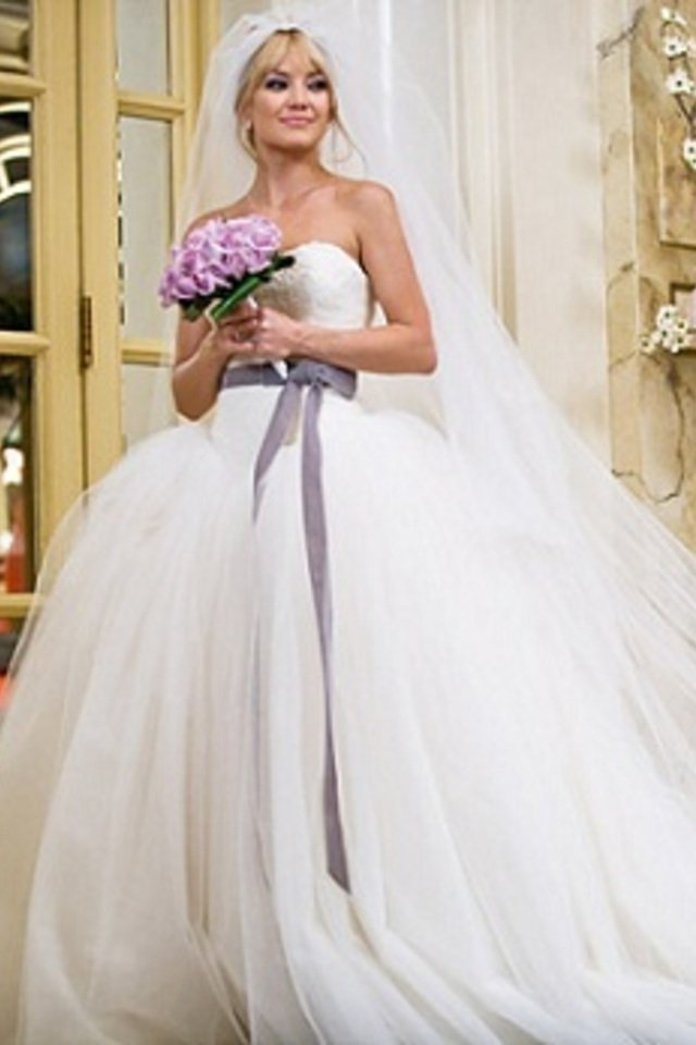 top 10 celebrity wedding dresses in movies and tv. Black Bedroom Furniture Sets. Home Design Ideas