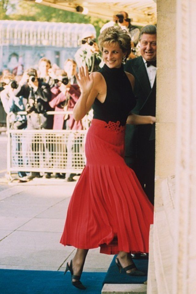 Princess Diana s Most Iconic Style Moments m 64