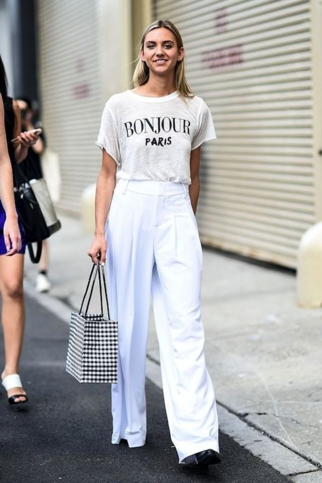 How To Wear Graphic Tees And Look Insanely Stylish