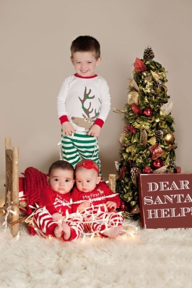 30 Photos Of Cute Babies Dressed Up For The Holiday Season